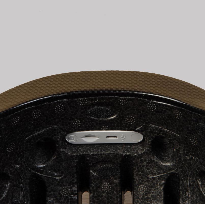 Airwheel C5 smart helmet slots